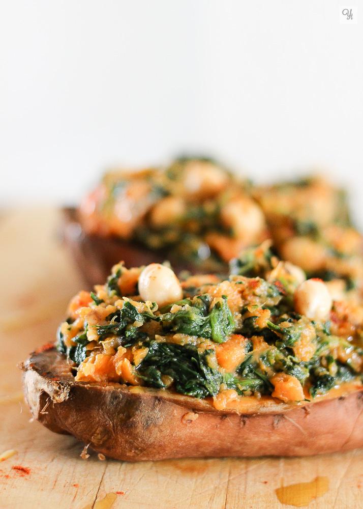 Batata con espinacas y garbanzos