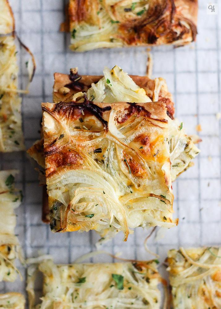 Crujiente de queso y cebolla